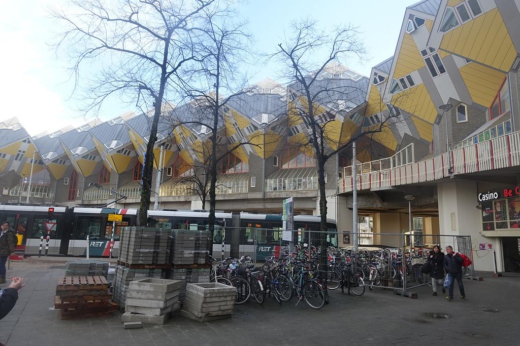 201702荷比冰之旅:鹿特丹方塊屋美麗的特色建築物.JPG