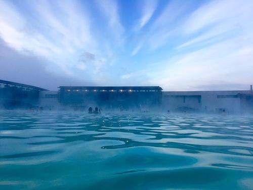 藍湖溫泉夢幻場景.jpg - 201702荷比冰之旅