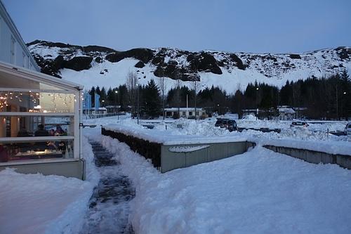 克勞斯圖爾冰島航空酒店坐落在雪地中.JPG - 201702荷比冰之旅