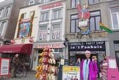 201702荷比冰之旅:馬斯垂克市集廣場Vrijthof 商店裝飾及荷蘭木鞋.JPG