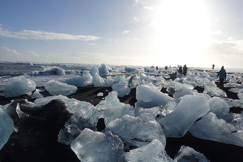 201702荷比冰之旅:陽光灑落在鑽石黑沙灘   (1).JPG