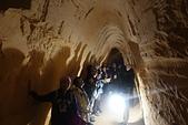 201702荷比冰之旅:馬斯垂克聖彼得堡洞穴導遊精彩的解說.JPG