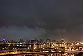 """2010花博煙火慶開幕 """"1024大圖"""" (黃金私人拍攝景點..要去下次跟我走唷):011.JPG 但是天空不作美..雲霧濕氣重...一大敗筆啊"""