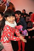 2010 花鹿班同學會聖誕趴之團體遊戲篇(上傳完畢):IMG_1611b.JPG 媽...我成功了嗎??