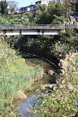 2011-02-06 平溪天燈_菁桐國小篇(先前卡位與前置作業):IMG_7471.JPG 去天燈場地必經的一座橋