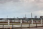 2010-11-15 早起去晨拍:IMG_8460.JPG 遠處可見: 三重新地標 新北大橋的身影喔