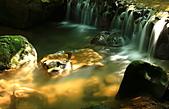 """龍泉溪 之 意外發現 """" 龍泉伏虎石 """" 特輯 :龍泉伏虎石-01.龍泉溪斜射光的著名溪瀑景點,意外發現如猛虎樣貌的石頭伏於水中"""