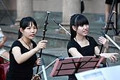 音樂氣質美女:13.JPG 沒記錯的話>左邊這位應該是我國小同校同屆同學,但不同班
