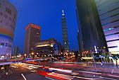 2010 -11-27 夜拍世貿101夜景 +華納空橋夜景:IMG_8866.JPG