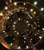 2010-11-30 新板特區夜景+螺旋光影ZOOM攝影大作戰(圖多待PO):IMG_9011.JPG 莫名奇妙找到這個景點..是我始料未及的...呵呵呵