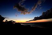 捉住夏天的尾巴:夏天的尾巴-14.JPG更晚時,天空更是出現黑龍捲雲..彷彿失火的煙囪效應一般,So Cool ~!!