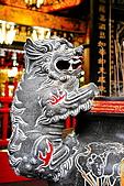 2010-11-30 板橋慈惠宮速拍:IMG_8955.JPG其實仔細觀看石獅..還滿可愛的喔