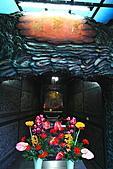 2010-11-30 板橋慈惠宮速拍:IMG_8963.JPG慈惠宮特立虎爺殿...也有別一般寺廟將虎爺宮奉於神桌下的方式喔