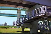 三重幸福水漾公園 + 新北橋 騎車去:0002.JPG 加油..斜坡是一定要用牽車的啦