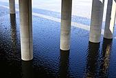 三重幸福水漾公園 + 新北橋 騎車去:0012.JPG(定焦鏡呈現的水波紋,看起來好像仙草蜜喔,太銳利了)