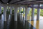 三重幸福水漾公園 + 新北橋 騎車去:0015.JPG 壯碩的橋柱群
