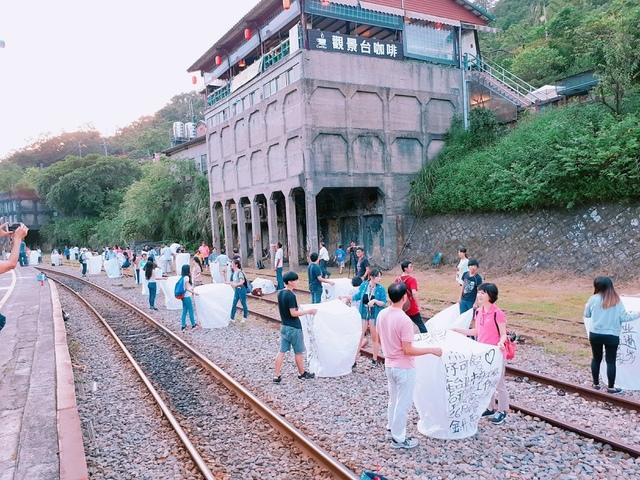 2017-09-23-17-16-34.jpg - 平溪天燈媒人進站