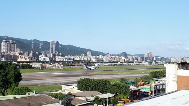 20180329_164148.jpg - 台北華山展+看飛機