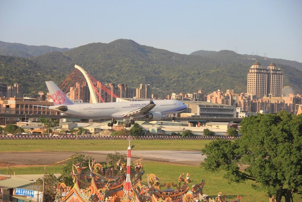 台北華山展+看飛機:LRG_IMG_5927.JPG