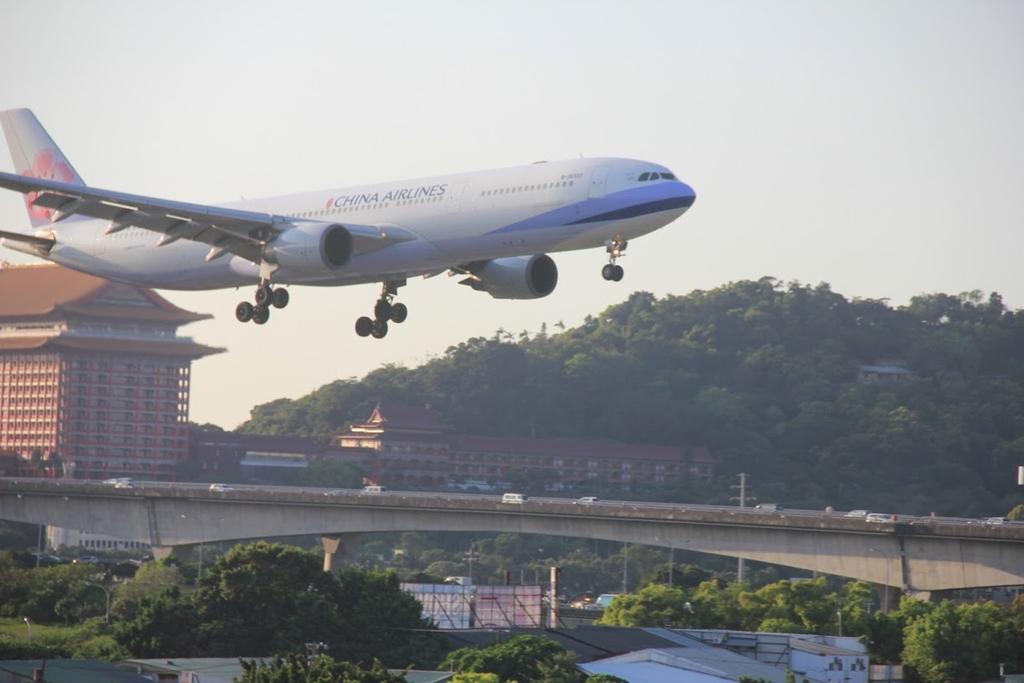 台北華山展+看飛機:LRG_IMG_5921.JPG
