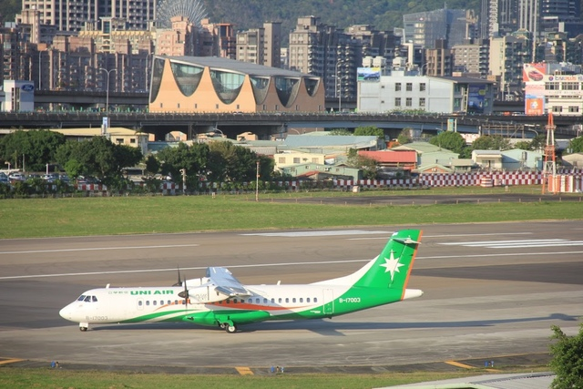 LRG_IMG_5891.JPG - 台北華山展+看飛機