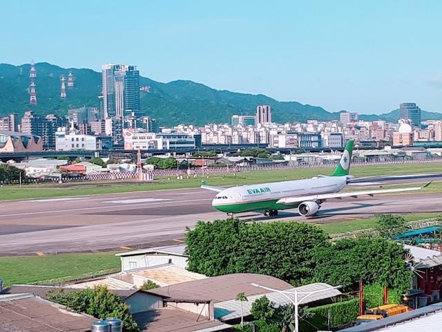 2018-03-29-16-43-01.jpg - 台北華山展+看飛機