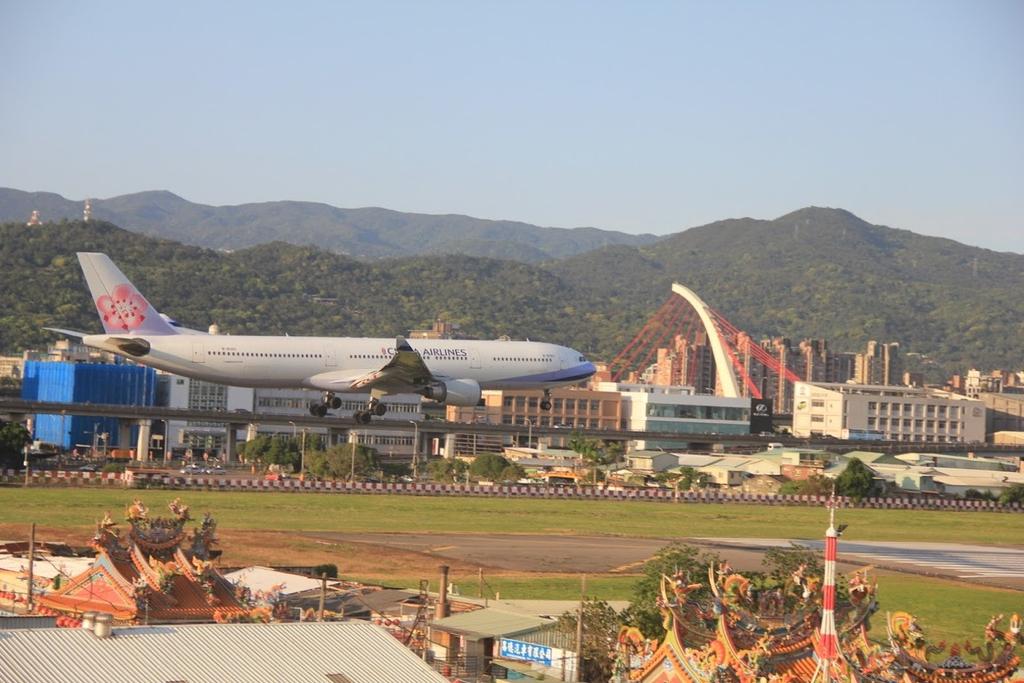 台北華山展+看飛機:LRG_IMG_5926.JPG