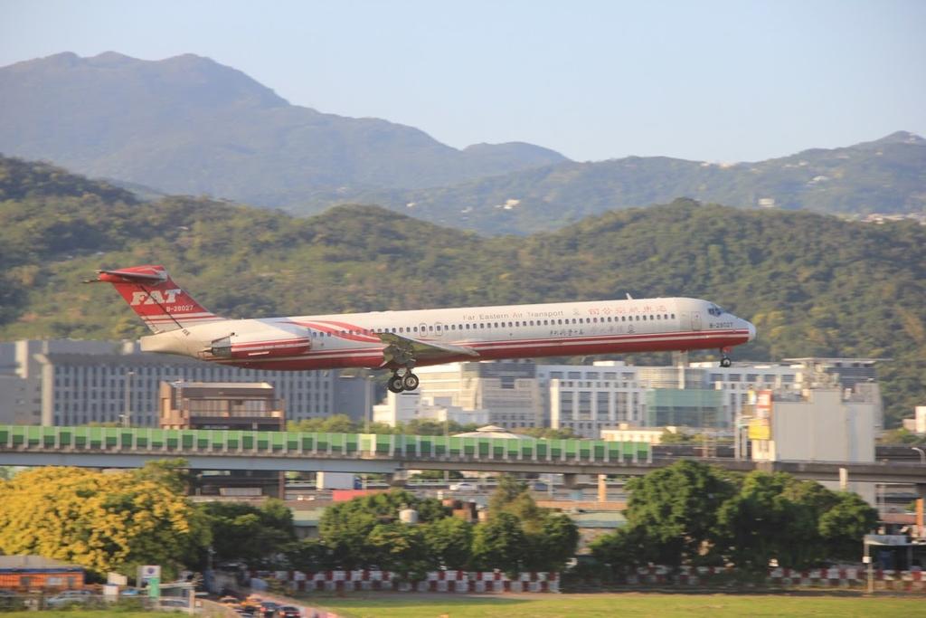 台北華山展+看飛機:LRG_IMG_5876.JPG