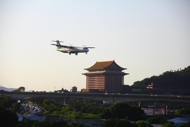 LRG_IMG_5900.JPG - 台北華山展+看飛機