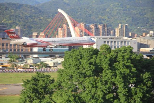 LRG_IMG_5878.JPG - 台北華山展+看飛機