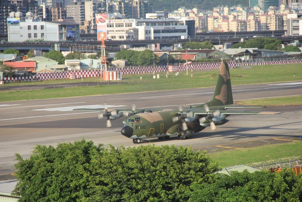 台北華山展+看飛機:LRG_IMG_5843.JPG