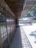 980509 跳舞咖啡廳與石門海邊:從走廊上拍格子窗與影子