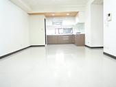 西屯中科愛買藍海帝國高樓層4房+雙平車:DSCN8000.JPG