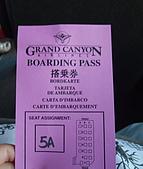 7/27大峽谷,7/28回LA與舅媽會合:7-27 大峽谷- 我們是紫色團, 也貼紫色貼紙在身上