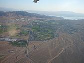 7/27大峽谷,7/28回LA與舅媽會合:7-27大峽谷- 起飛不久的景象, 沙漠中的綠洲!