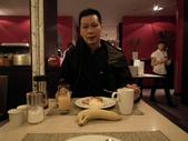 2011.07.20瑞士鐵道十日遊(4):旅館自助式早餐.JPG