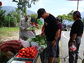 2009.08.02.奧萬大:每人一袋牛番茄